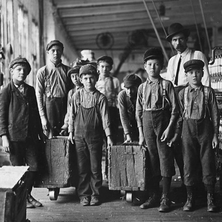 Lewis Hine Photo of Child Laborers